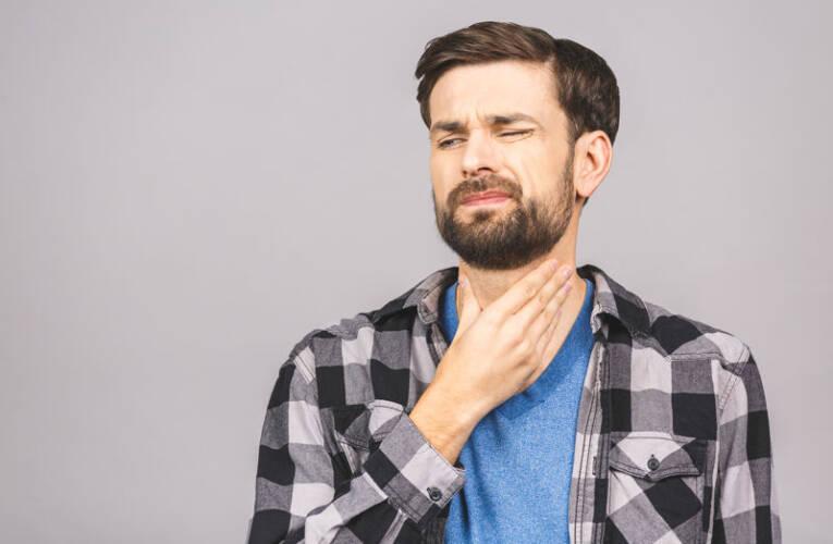 Domowe sposoby na ból gardła i chrypkę. Najlepsze metody.